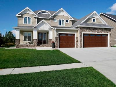 West Fargo Single Family Home For Sale: 2514 McLeod Drive E