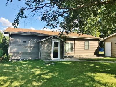 Single Family Home For Sale: 20995 Hwy 21 --