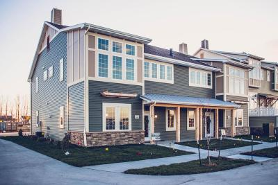 West Fargo Condo/Townhouse For Sale: 3313 E 5 Way E