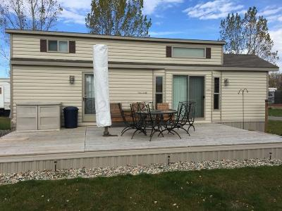 Detroit Lakes Mobile Home For Sale: 1540 Us Hwy 59 -- S #303