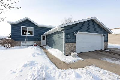 Moorhead Single Family Home For Sale: 2713 29th Avenue S