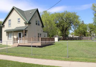 Moorhead Single Family Home For Sale: 1020 2nd Avenue N