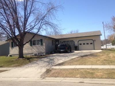 West Fargo ND Single Family Home For Sale: $245,500