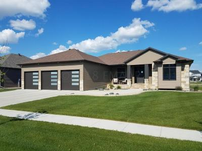 West Fargo Single Family Home For Sale: 3701 Houkom Drive E