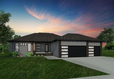 West Fargo Single Family Home For Sale: 1264 Goldenwood Drive