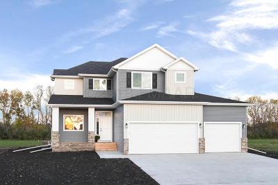 Fargo Single Family Home For Sale: 6381 Deer Creek Parkway S