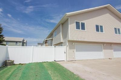 West Fargo Single Family Home For Sale: 50 Pinewood Boulevard
