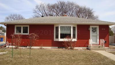 Moorhead MN Single Family Home For Sale: $200,000