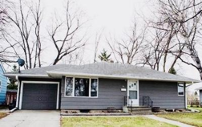 Fargo Single Family Home For Sale: 90 18th Avenue N