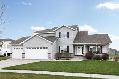 West Fargo Single Family Home For Sale: 742 Sedona Drive N