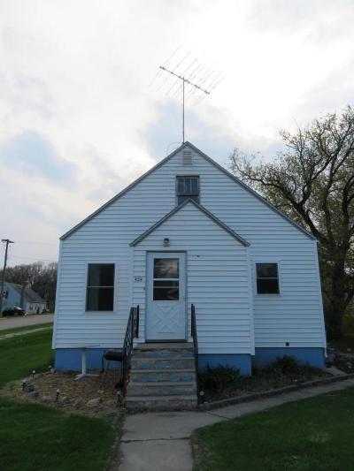 Pelican Rapids Single Family Home For Sale: 424 1st Street SE