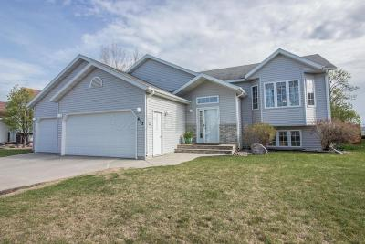 West Fargo Single Family Home For Sale: 652 Sommerset Lane
