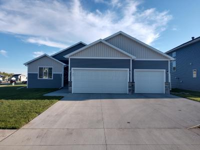 West Fargo Single Family Home For Sale: 722 Albert Drive W
