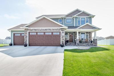 West Fargo Single Family Home For Sale: 2725 Pyle Lane E