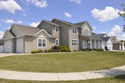 Fargo Single Family Home For Sale: 5568 Farmstead Court S