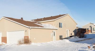 Fargo Single Family Home For Sale: 4775 51 Avenue S
