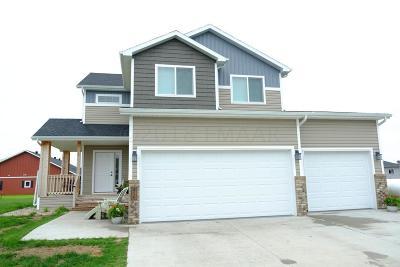 Kindred Single Family Home For Sale: 456 P51 Boulevard E