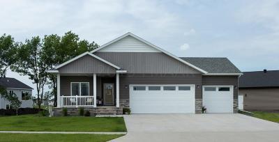West Fargo Single Family Home For Sale: 1003 26 Avenue W