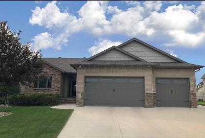 West Fargo Single Family Home For Sale: 758 17 Avenue E