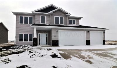 West Fargo Single Family Home For Sale: 1077 Wildflower Lane W
