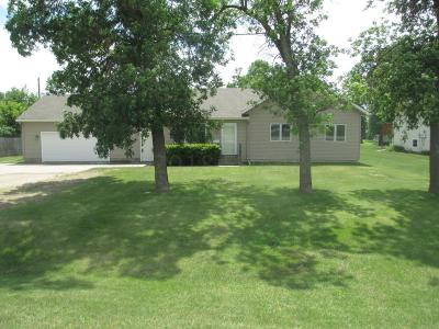 Casselton Single Family Home For Sale: 152 5th Street N
