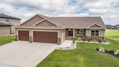 West Fargo Single Family Home For Sale: 1078 Wildflower Lane W