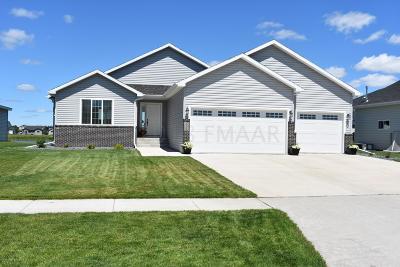 Fargo Single Family Home For Sale: 6471 59th Avenue S