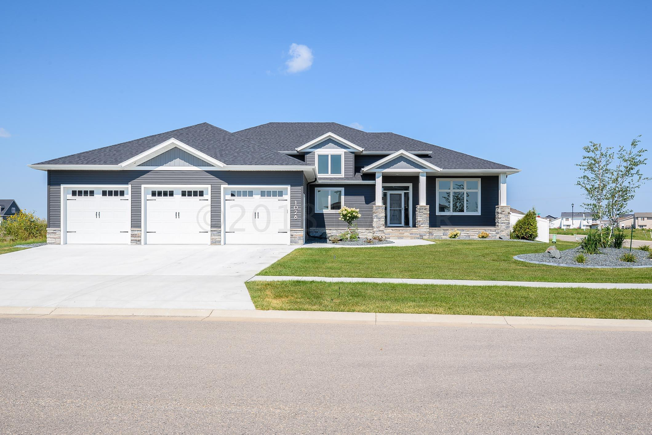 Listing: 1026 Hickory Lane, West Fargo, ND.| MLS# 18-3978 | Results ...