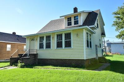 Kindred Single Family Home For Sale: 550 Spruce Street