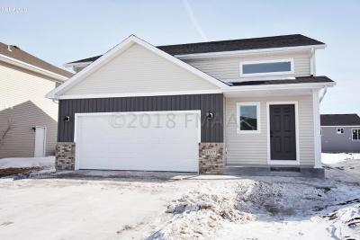 West Fargo Single Family Home For Sale: 916 27th Avenue W