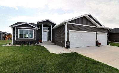 West Fargo ND Single Family Home For Sale: $319,000