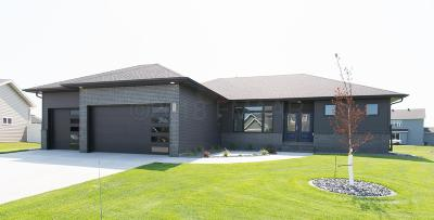 West Fargo ND Single Family Home For Sale: $494,000