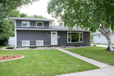 West Fargo Single Family Home For Sale: 713 Elm Street