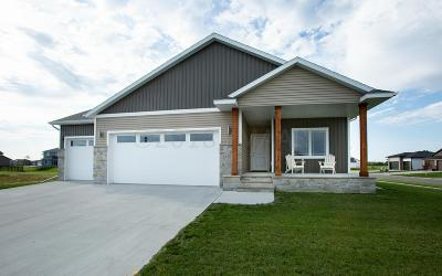 West Fargo Single Family Home For Sale: 2445 Harbor Lane W