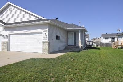 West Fargo Single Family Home For Sale: 1132 43rd Avenue W