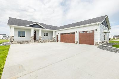 Kindred ND Single Family Home For Sale: $548,000