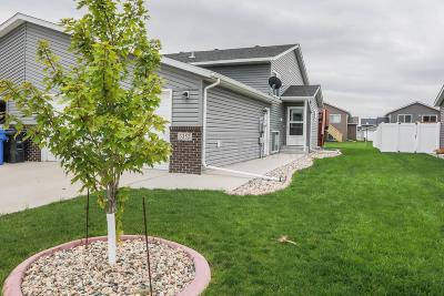 Fargo Single Family Home For Sale: 3352 62 Avenue S