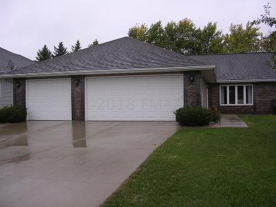 Moorhead Single Family Home For Sale: 953 18th Ave Circle N