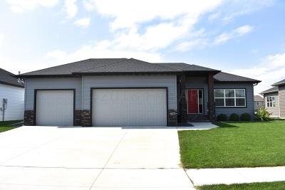 Fargo Single Family Home For Sale: 6873 23 Street S