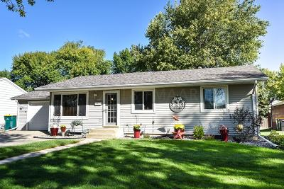 West Fargo Single Family Home For Sale: 220 10 Avenue E