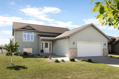 Fargo Single Family Home For Sale: 4457 48 Street S