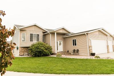 West Fargo Single Family Home For Sale: 933 Westport Parkway