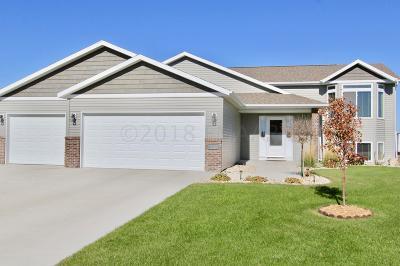 Fargo Single Family Home For Sale: 6375 56 Avenue S