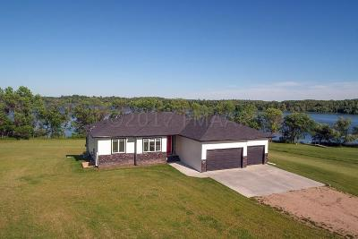 Lake Park Single Family Home For Sale: 17075 Saylers Beach Road