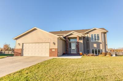 West Fargo Single Family Home For Sale: 1522 Baywood Drive