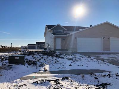 West Fargo ND Single Family Home For Sale: $205,000