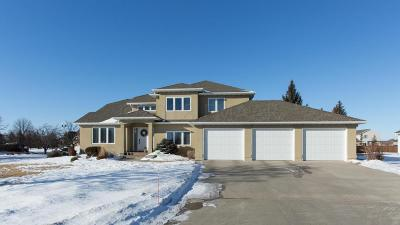Fargo Single Family Home For Sale: 4627 Rose Creek Parkway S