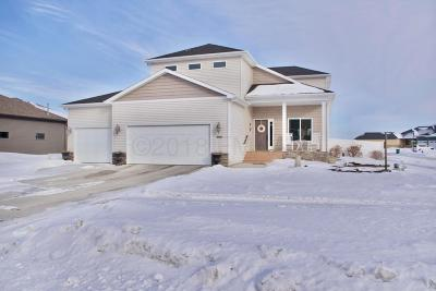 West Fargo Single Family Home For Sale: 3885 3 Street E