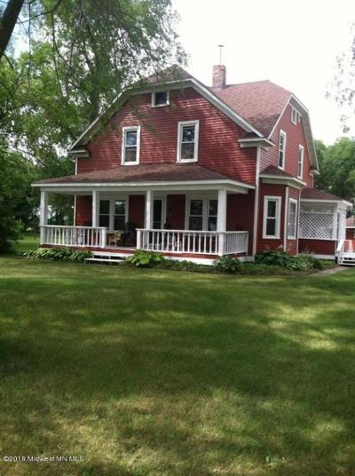 Perham MN Single Family Home For Sale: $250,000