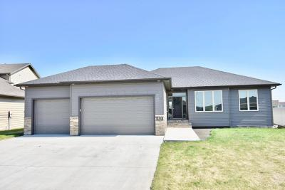 West Fargo Single Family Home For Sale: 455 S Pond Court E